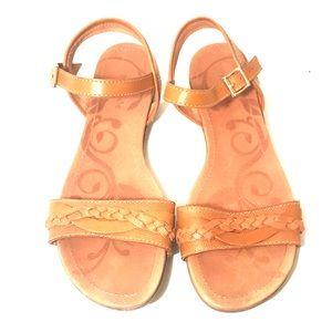 Nurture Marrlow Slingback Open-Toe Brown Sandals